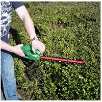 450W Mains powered hedge trimmer